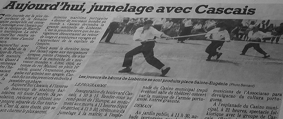 Foto de Jornal Francês de Demonstração em Cascais de Jogo do Pau Português em Encontro de Artes Marciais