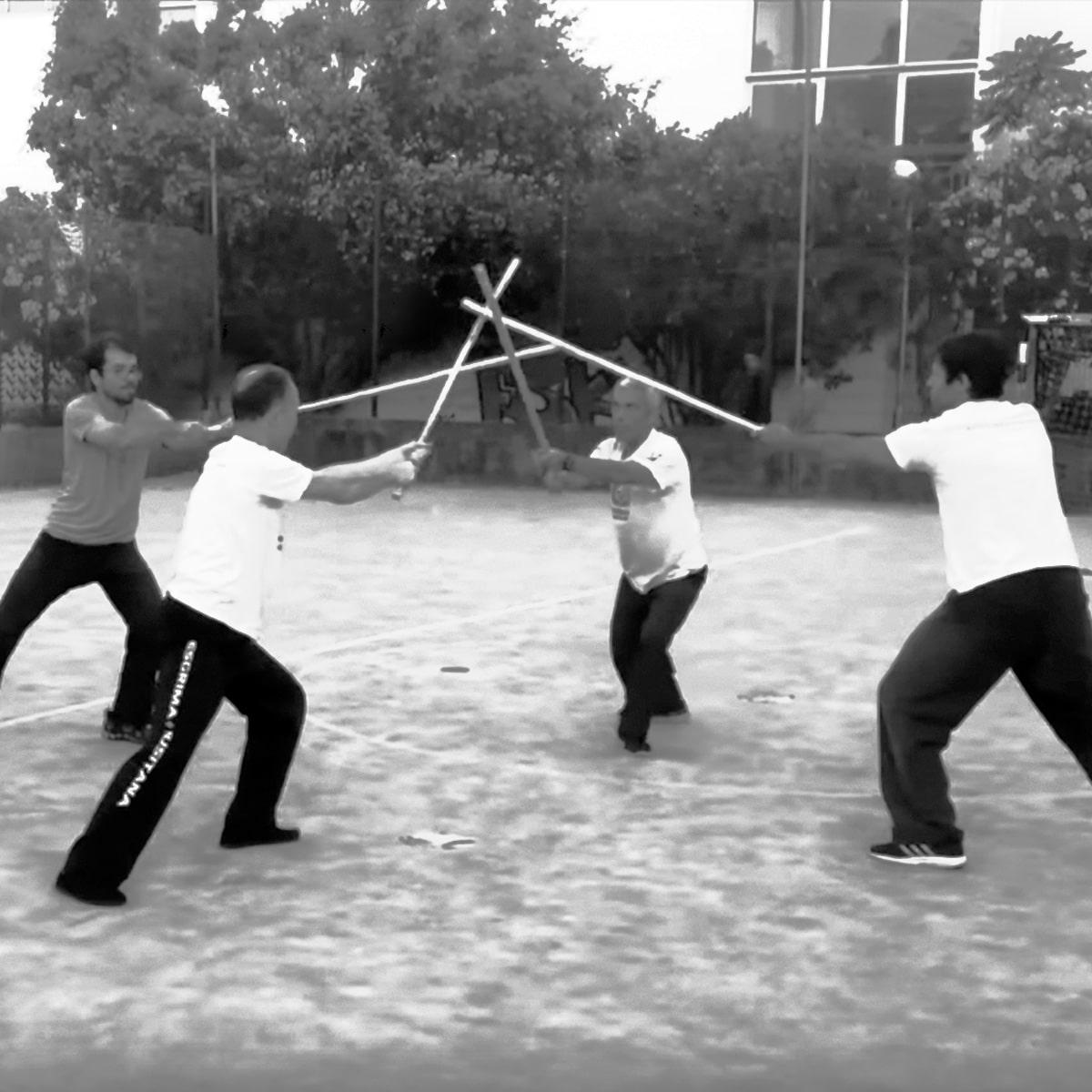 Segunda forma da cruz do meio Técnica de Jogo do Pau Cascais