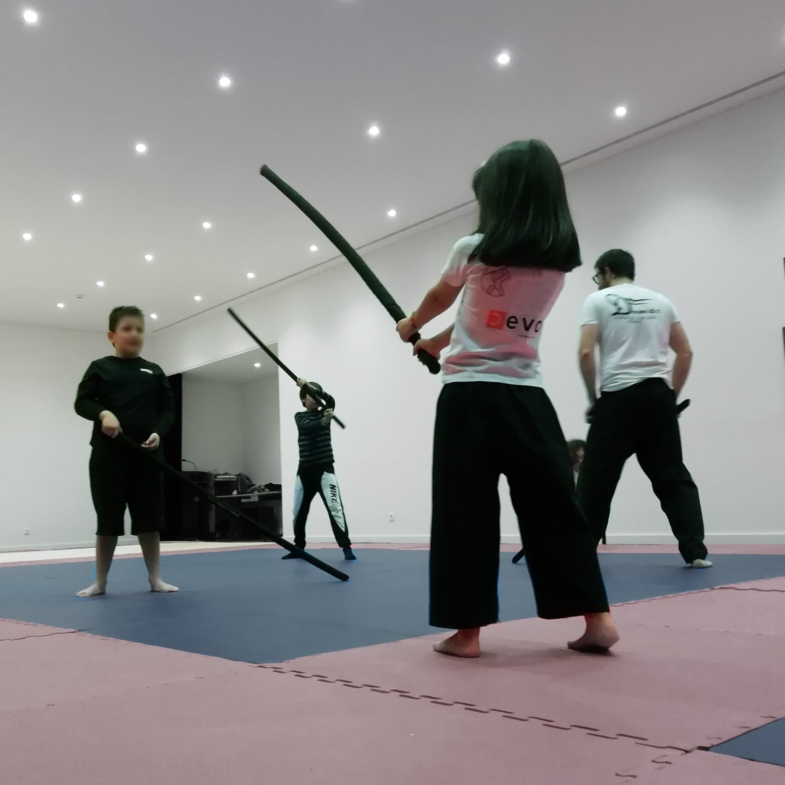 jogo do pau cascais treino de crianças